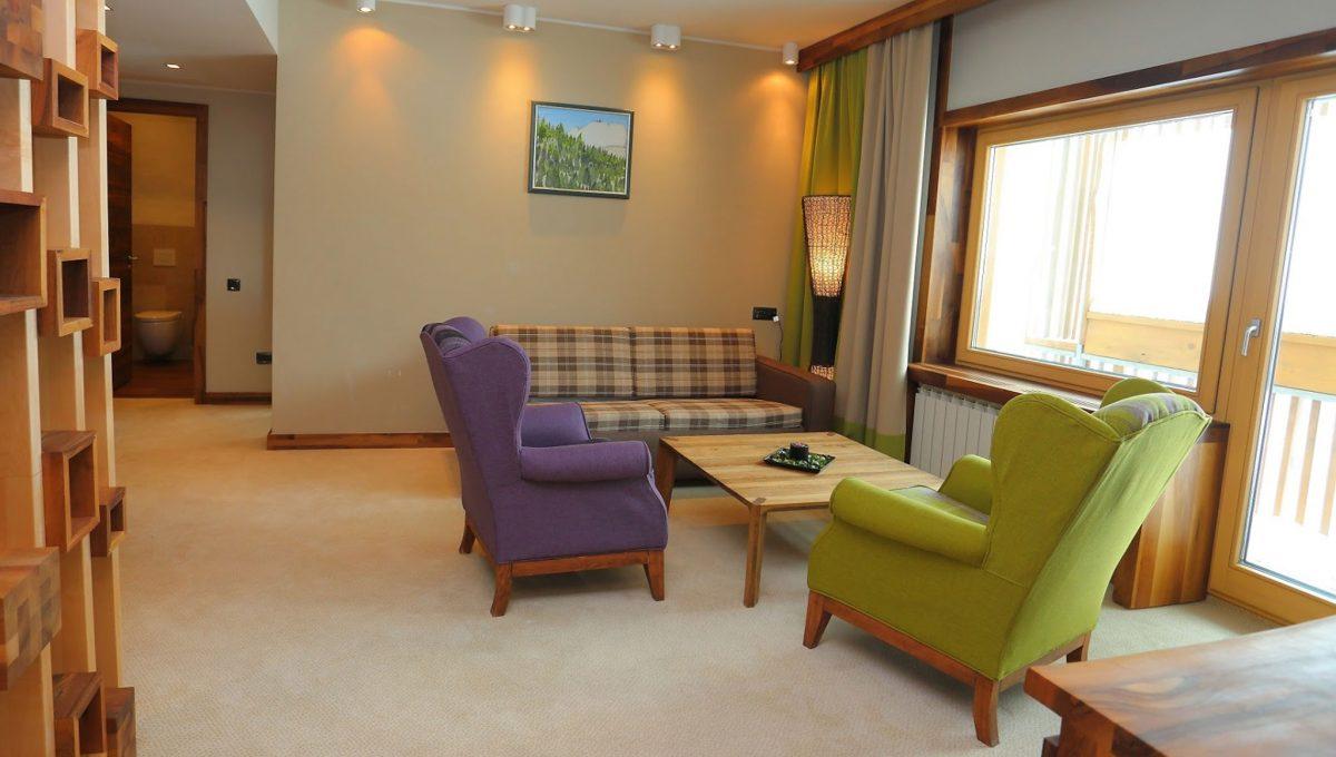 1445810077-hotel-termag-6