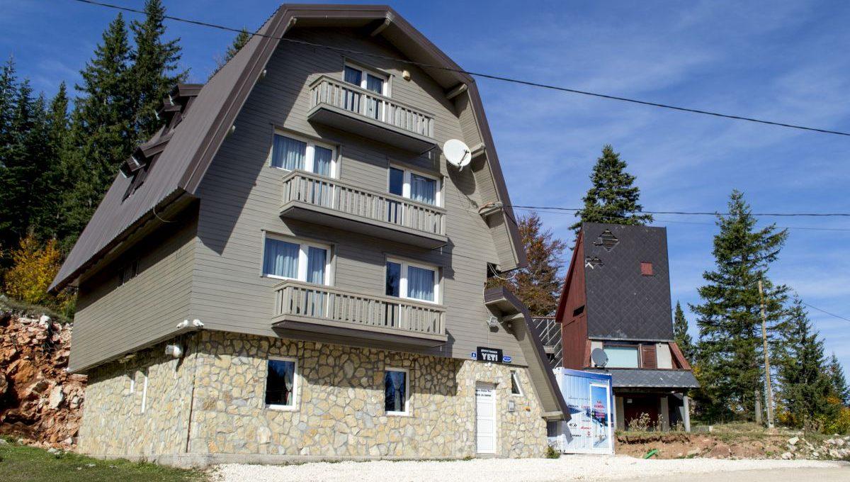 guesthouseyeti02