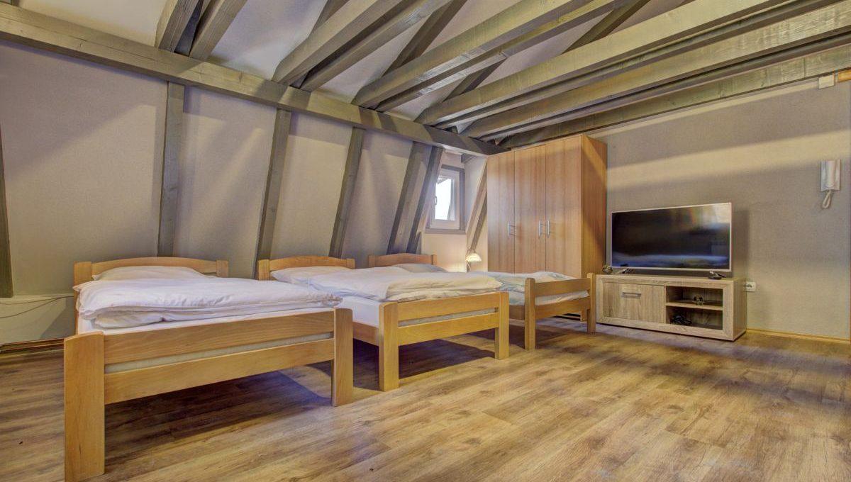 guesthouseyeti18